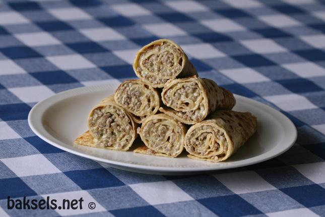 Bekend Pannenkoeken met pesto-gehakt-vulling - baksels.net &BA39