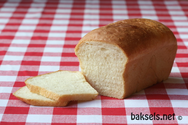 Wittebrood gemaakt met zure room