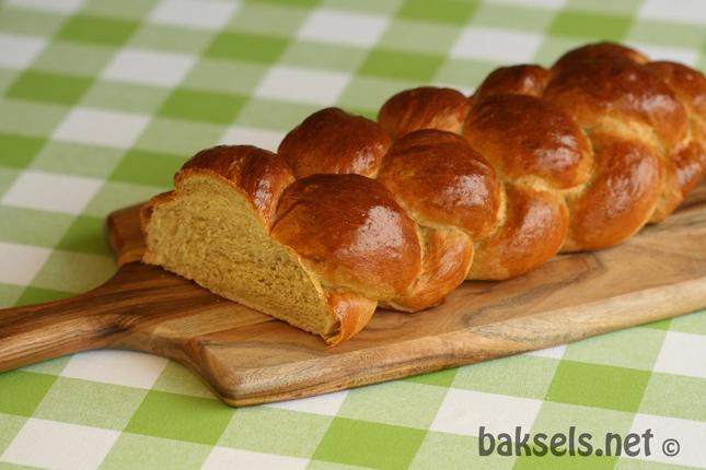 Gekruid viervlechtbrood