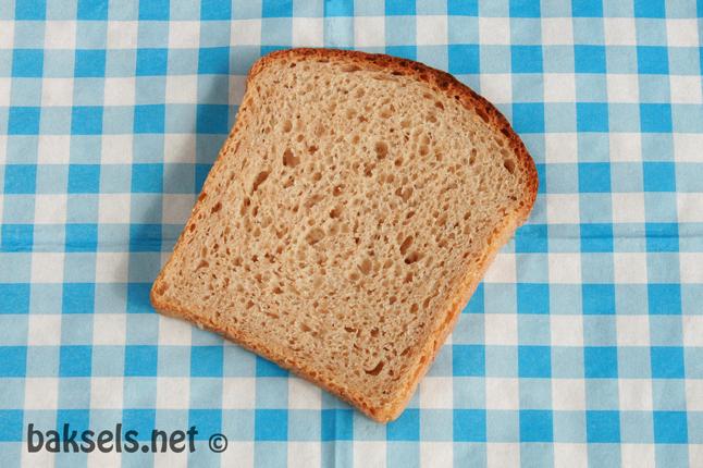 bruin speltbusbrood